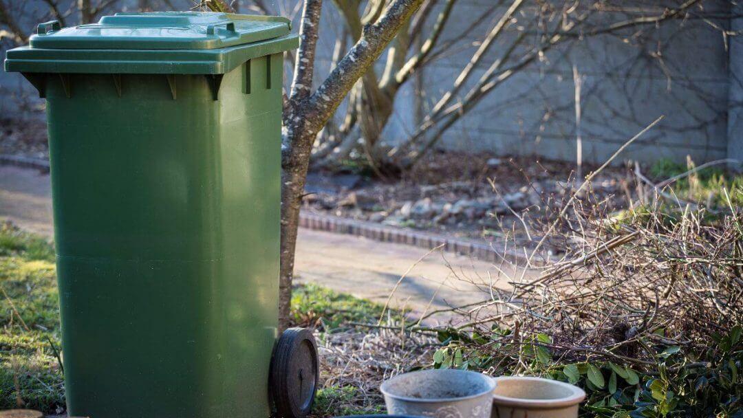 test stock green trash bin 1