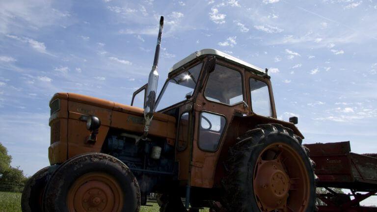 Traktor på genbrugspladserne